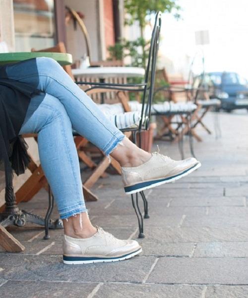Ženska obutev na katero prisegajo ženske skozi celo leto