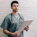 Samoplačniški ultrazvok: do prave diagnoze brez čakalnih vrst